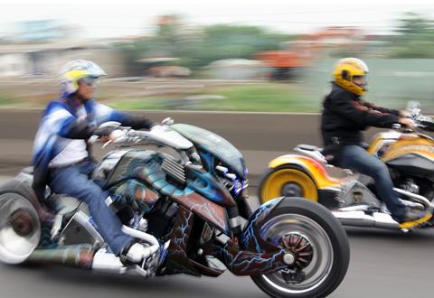 Dàn xe Harley Davidson trên cung đường Việt