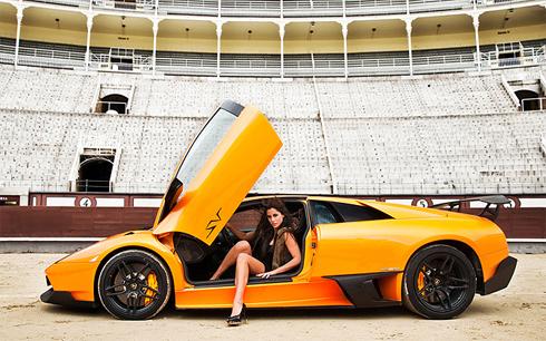 Siêu xe Lamborghini làm bò tót-9