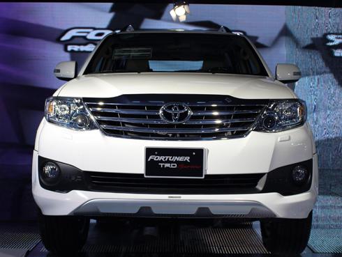 Toyota nâng cấp Fortuner cuối 2012