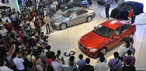 Sẽ hướng dẫn giảm lệ phí trước bạ ôtô trước Tết