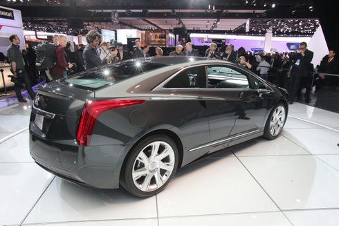 ra-mat-phien-ban-Cadillac-ELR-2