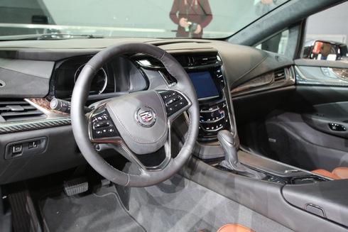 ra-mat-phien-ban-Cadillac-ELR-4