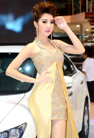 nguoi-dep-sieu-mau-o-bangkok-motor-show-2013-10