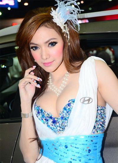 nguoi-dep-sieu-mau-o-bangkok-motor-show-2013-12
