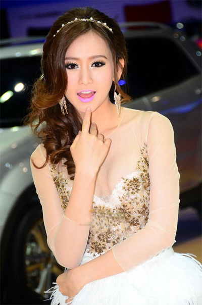 nguoi-dep-sieu-mau-o-bangkok-motor-show-2013-3