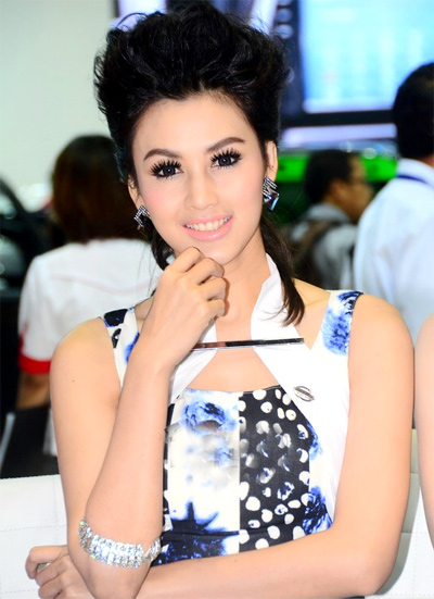 nguoi-dep-sieu-mau-o-bangkok-motor-show-2013-8