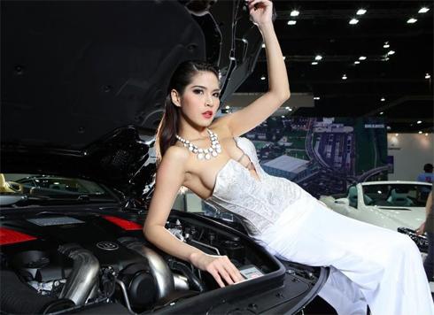 sieu-mau-goi-cam-tai-bangkok-auto-show-2013-3