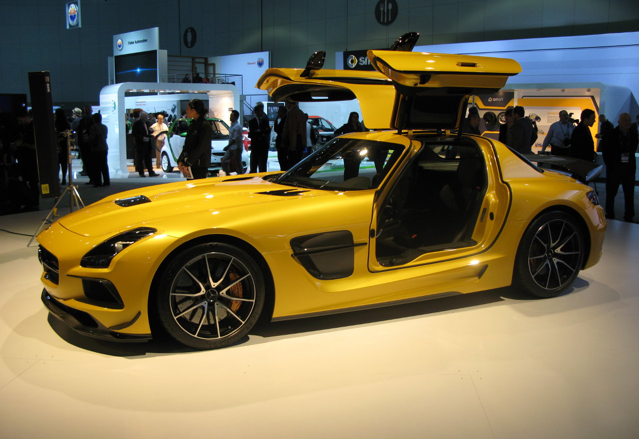 mercedes-sls-amg-2014-gia-it-nhat-275-000-usd1