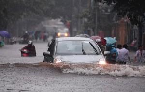 kinh nghiệm lái xe du lịch qua đường ngập nước