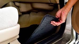 Xử lý khi nội thất xe ô tô bị ngập nước
