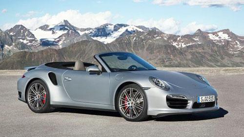 Porsche 911 Turbo mui trần giá từ 161.000 USD