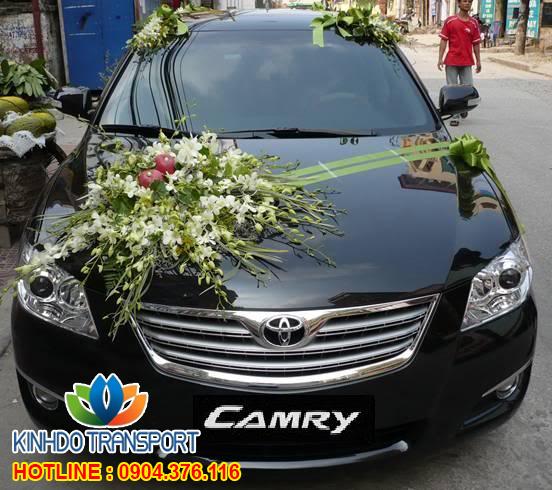 Cho thuê xe cưới 4 chỗ Toyota  Camry 2.4