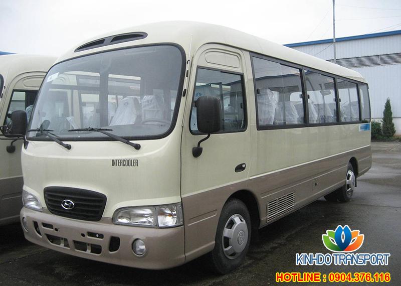 cho-thue-xe-du-lich-29-cho-Hyundai-County-2