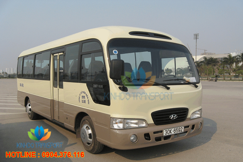 cho-thue-xe-du-lich-29-cho-Hyundai-County 3