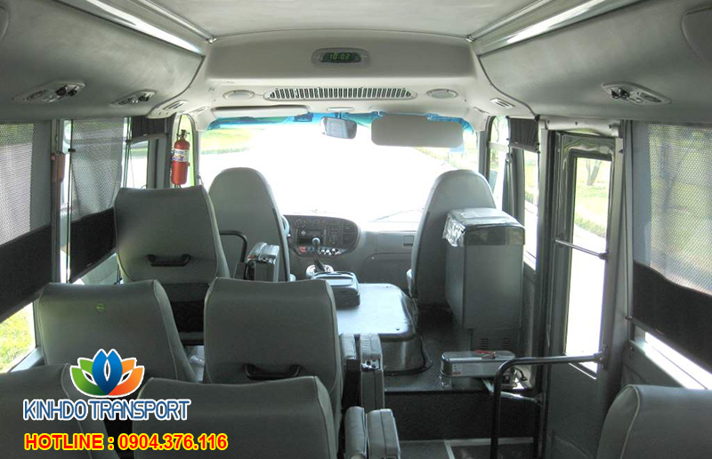 cho-thue-xe-du-lich-29-cho-Hyundai-County-4