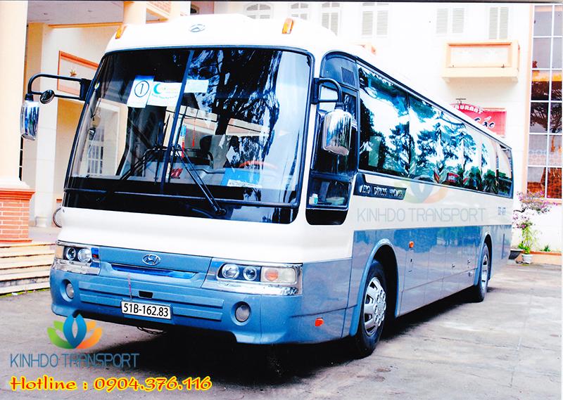 cho-thue-xe-du-lich-45-cho-Hyundai-Aero-Space 4