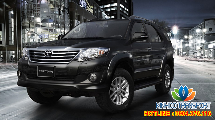 cho-thue-xe-du-lich-7-cho-Toyota-fortuner 3