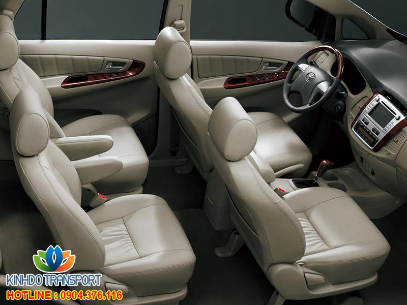 cho-thue-xe-du-lich-7-cho-Toyota-innova2