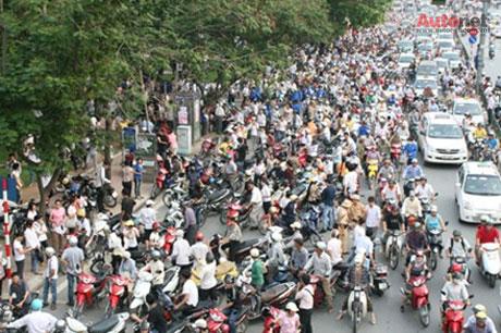 Có nên cấm xe máy ở Việt Nam?
